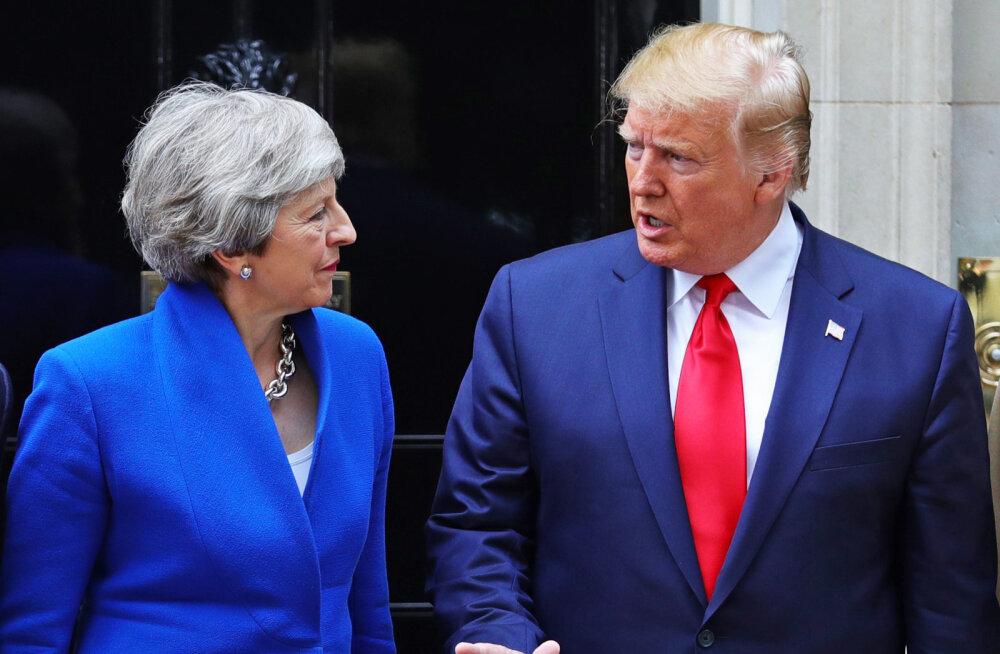 Trump lubas brittidele mahukat kaubanduslepet, meeleavaldajad tõid välja täispuhutava beebi-Trumpi ja potil istuva Trumpi