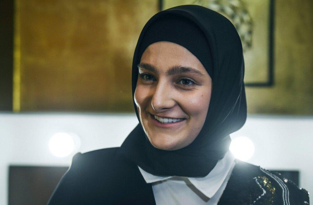 Ramzan Kadõrovi 21-aastasest tütrest sai Tšetšeenia kultuuriministri asetäitja