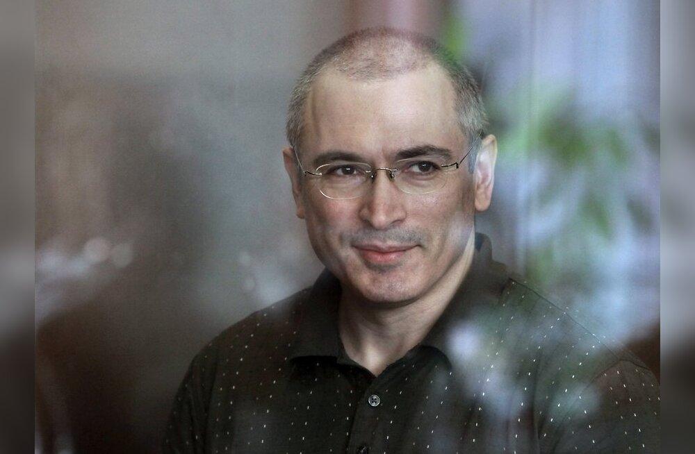 Kohus pikendas Hodorkovski ja tema partneri aresti