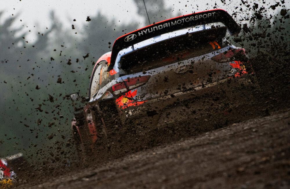 """KUULA   """"Kuues käik"""": miks sõidetakse WRC-s nii palju paberi peal võidu? Milliselt planeedilt on pärit Ott Tänak?"""