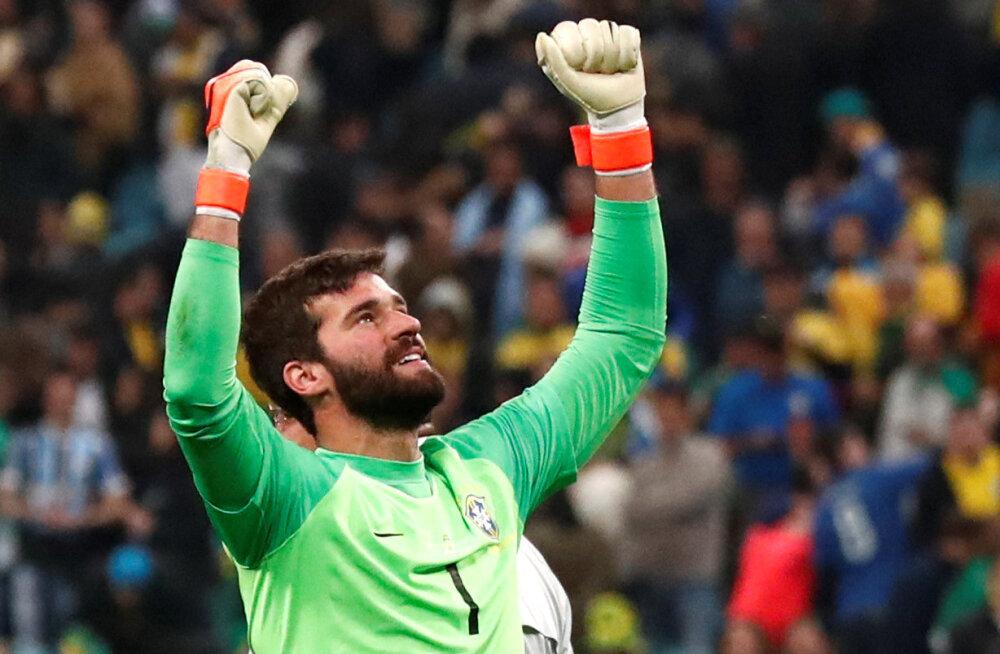 Kas Brasiilia koondise väravavaht suudab uhket seeriat Messi vastu jätkata?