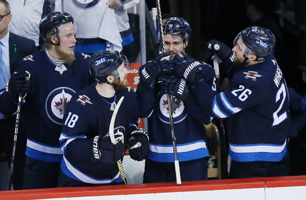 Winnipeg Jetsi mängumehed, vasakul Patrik Laine