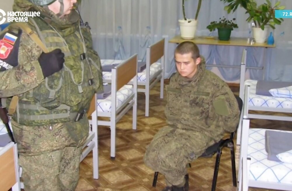 Venemaal kaheksa teenistuskaaslast maha lasknud ajateenija suruti enne peadpidi tualetipotti