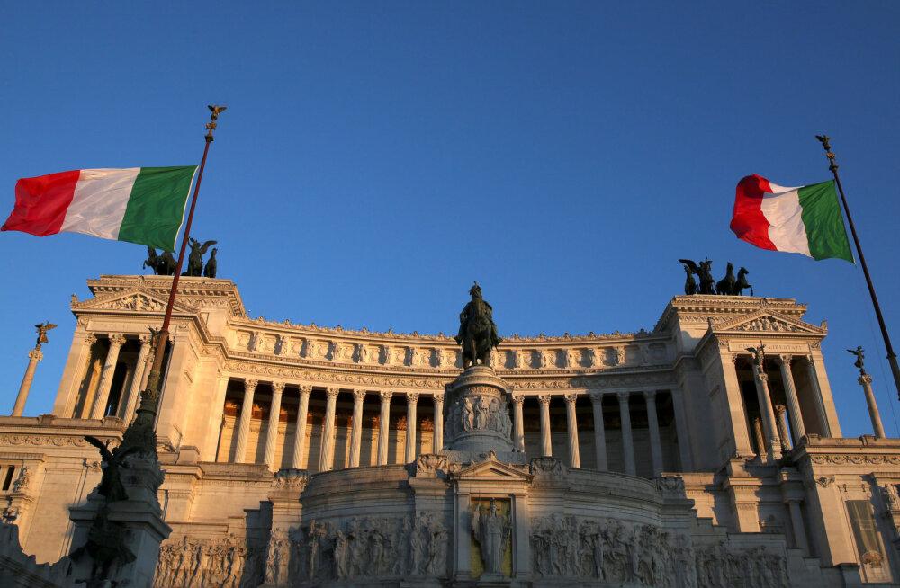 Itaalia eelarvepuudujäägi mängud viskasid riigi pikaajalise võlaintressi rekordkalliks. Börs kukkus