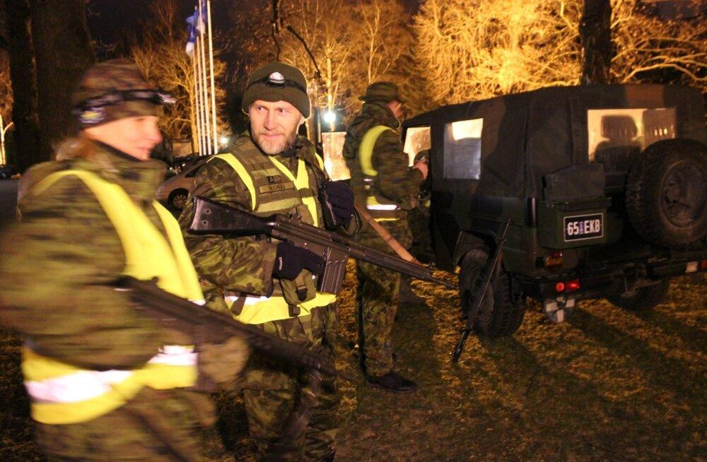 Kaitseliit ja politsei harjutasid presidendi kantselei kaitsmist