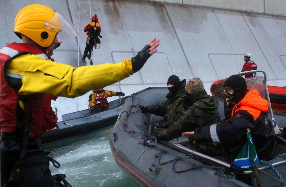 Kliimaaktivistid blokeerisid kruiisilaeva väljumise Helsingist