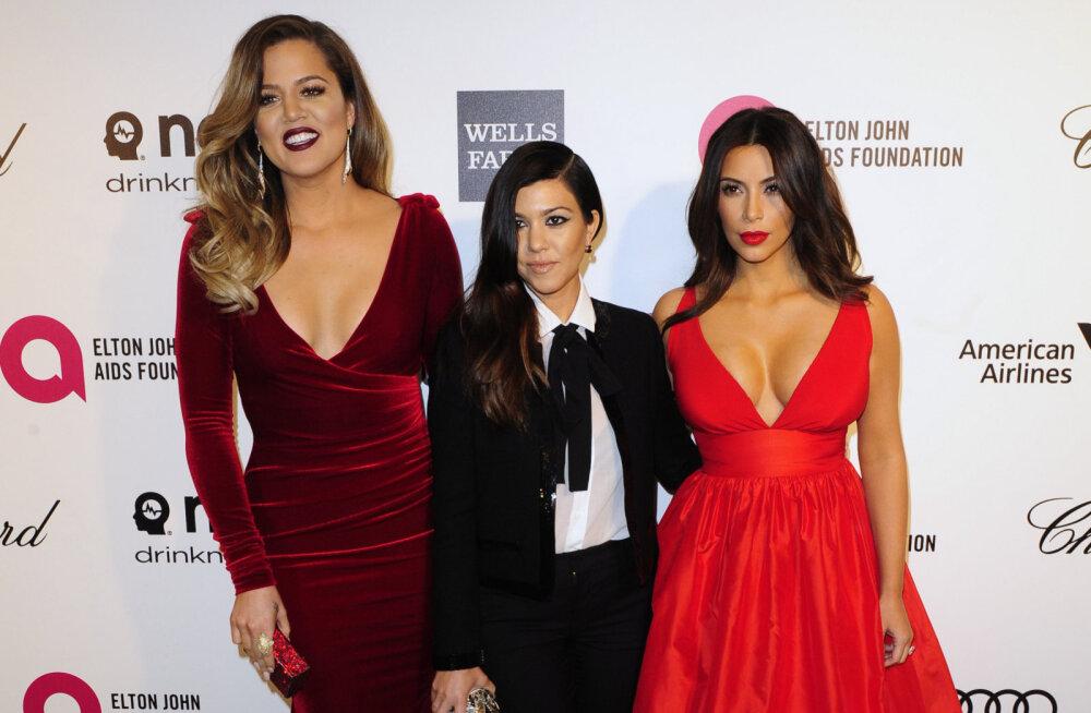 FOTOD | Kes näeb kõige lahedam välja? Õed Kardashianid sõimasid teineteist kantud riiete tõttu klounideks