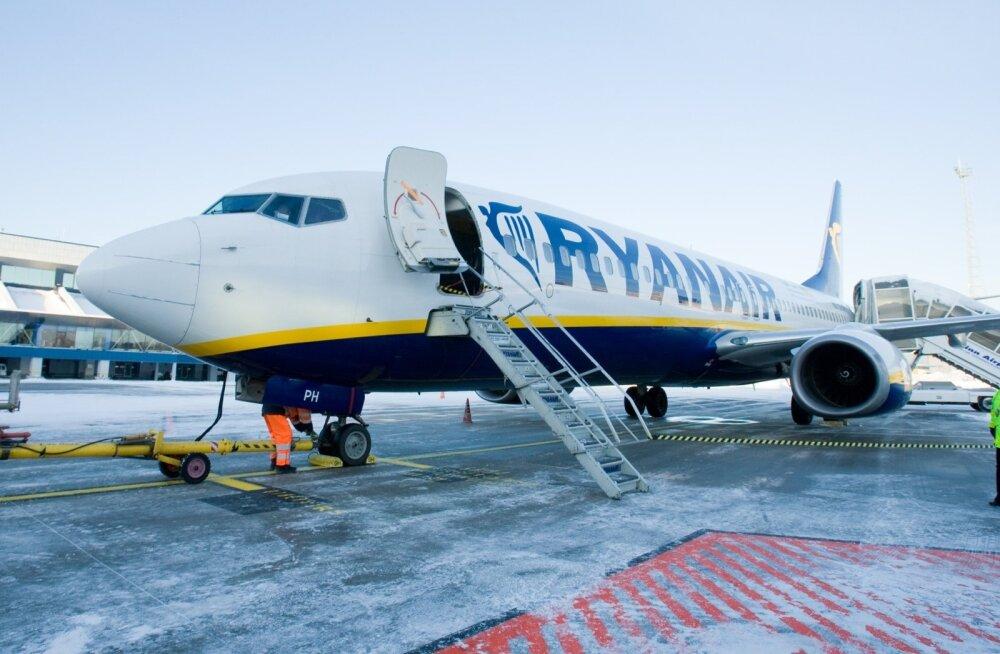 Ryanairi lennuk Tallinna lennujaamas