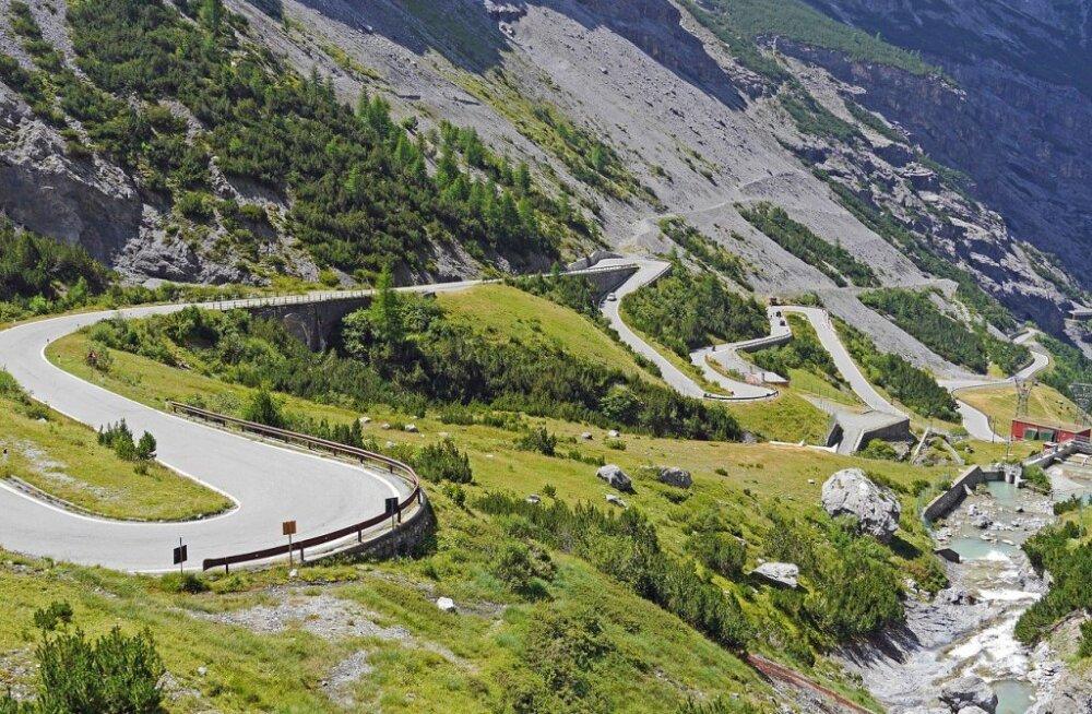 Autoreisi ABC: viis Euroopa parimat kurvilist teed sel suvel läbisõitmiseks