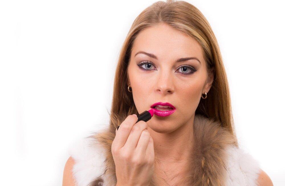 Jumestus, makeup