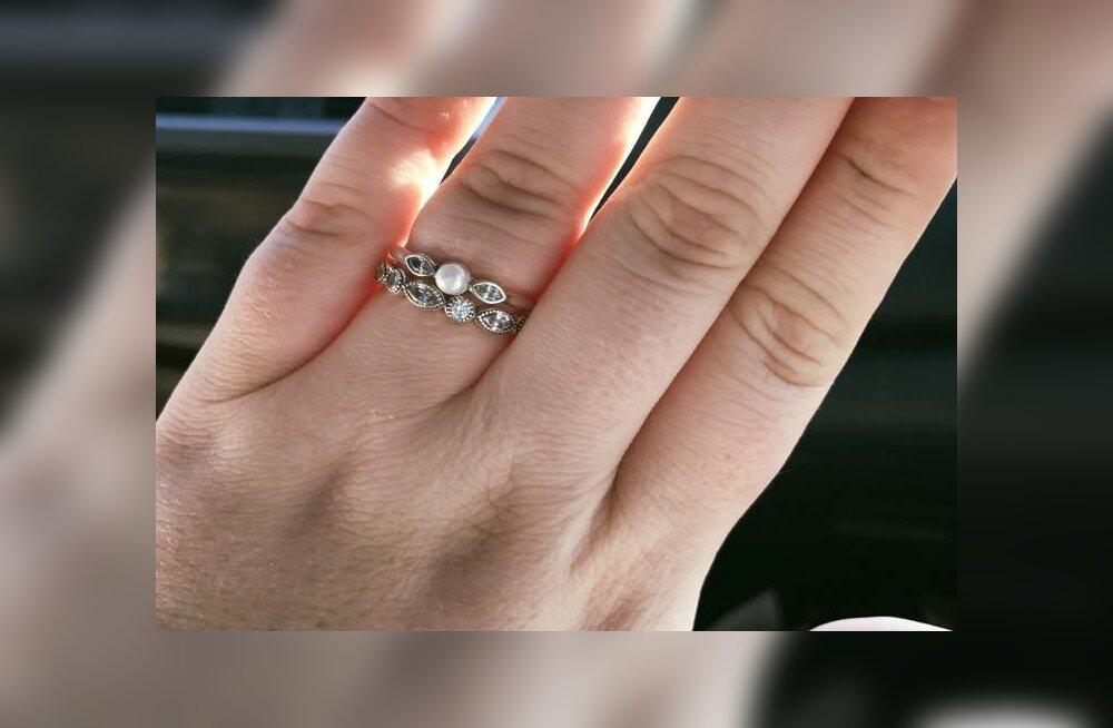 130 versus 3000 eurot maksev kihlasõrmus: naine pani õiglaselt paika poemüüja, kes tema meest odavate sõrmuste ostmise pärast maha tegi