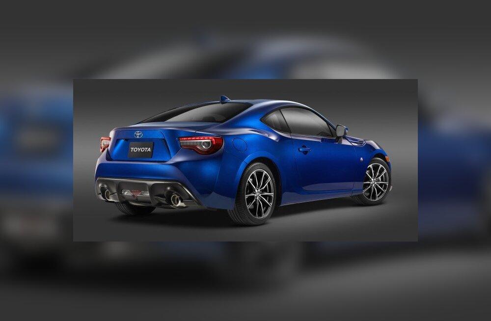 Toyota esitleb New Yorgi autonäitusel uuenenud GT86 sportkupeed