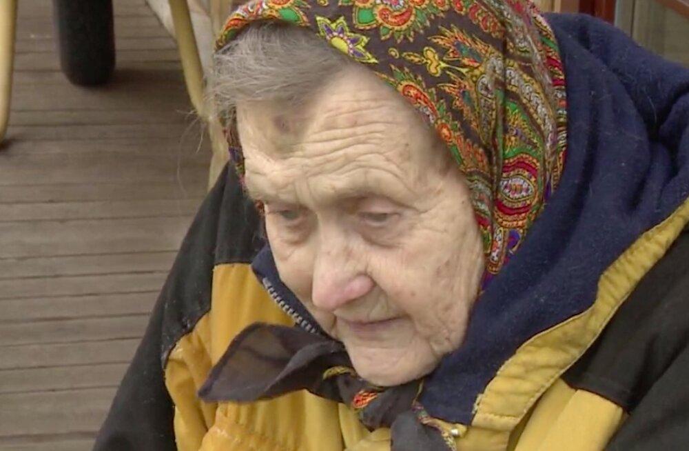 Kihnu Virve jätkab pärast infarkti esinemistega: kui nad ikka ütlevad, et ei tohi minna, siis ma ikka lähen