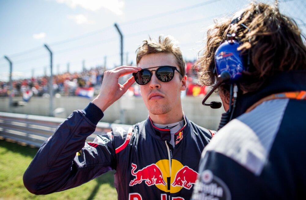 Red Bullist välja heidetud Kvjat istub sel nädalal Ferrari rooli