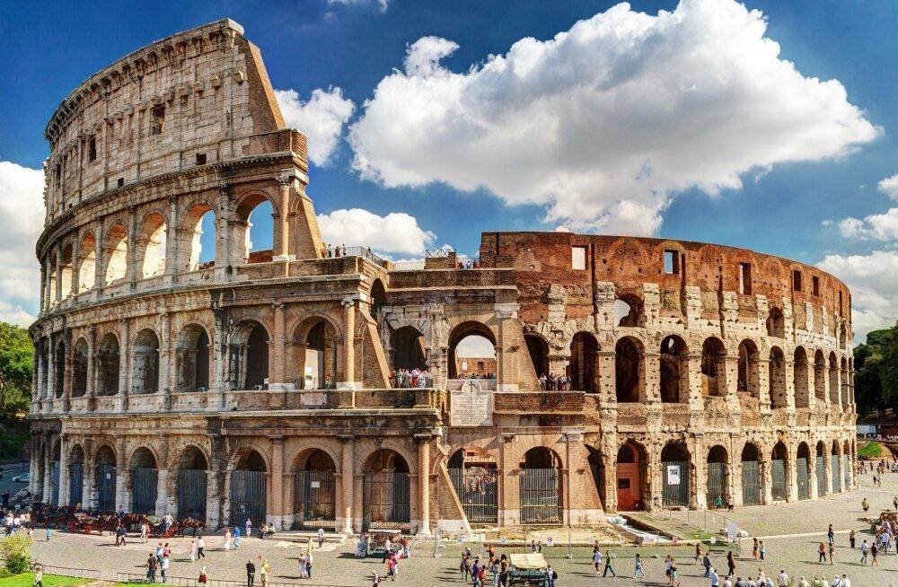 Итальянские архитекторы предупредили об угрозе разрушения Колизея