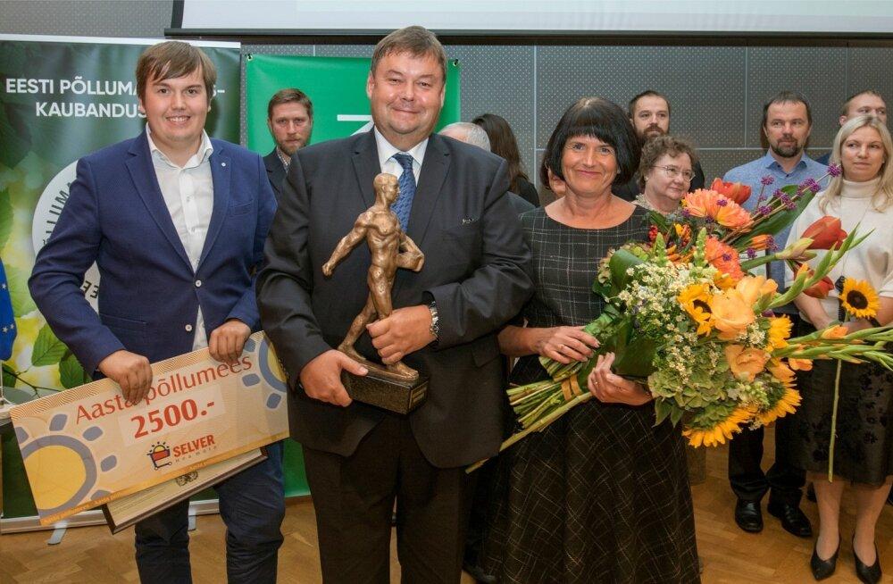 Aasta põllumees 2019 Indrek Klammer koos perega.