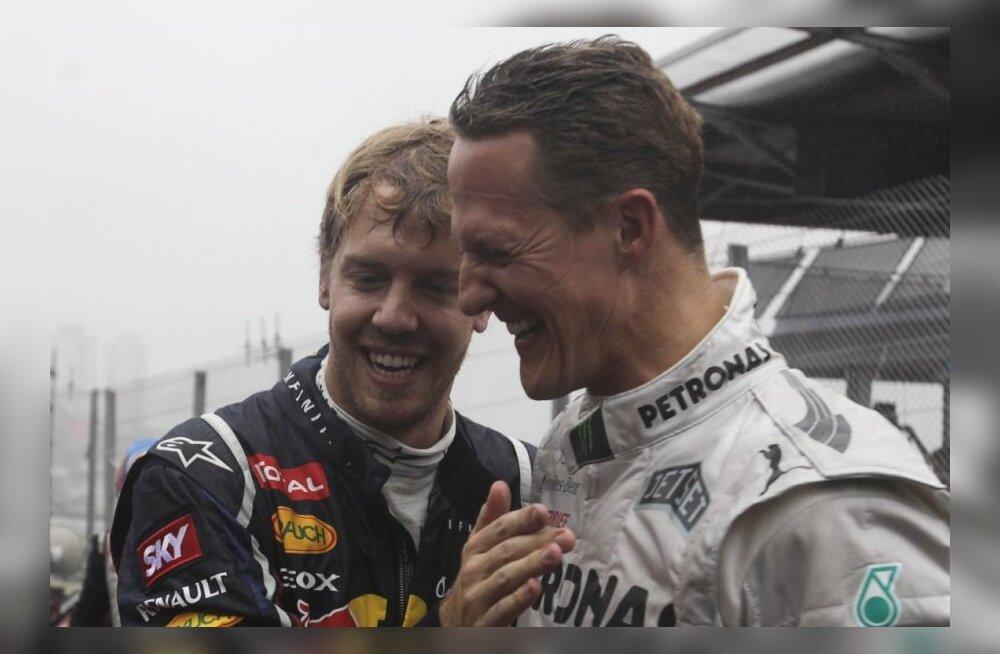 Schumacher õnnitleb Vettelit