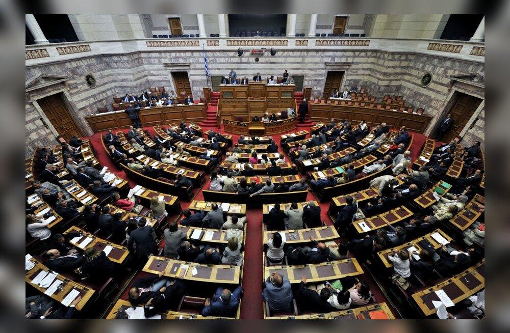 Kreeka parlament kiitis heaks järjekordsed kokkuhoiumeetmed