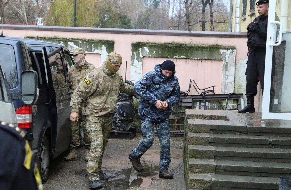 OTSEBLOGI   Simferopoli kohus otsustas Ukraina meremehed jaanuari lõpuni vahi alla jätta