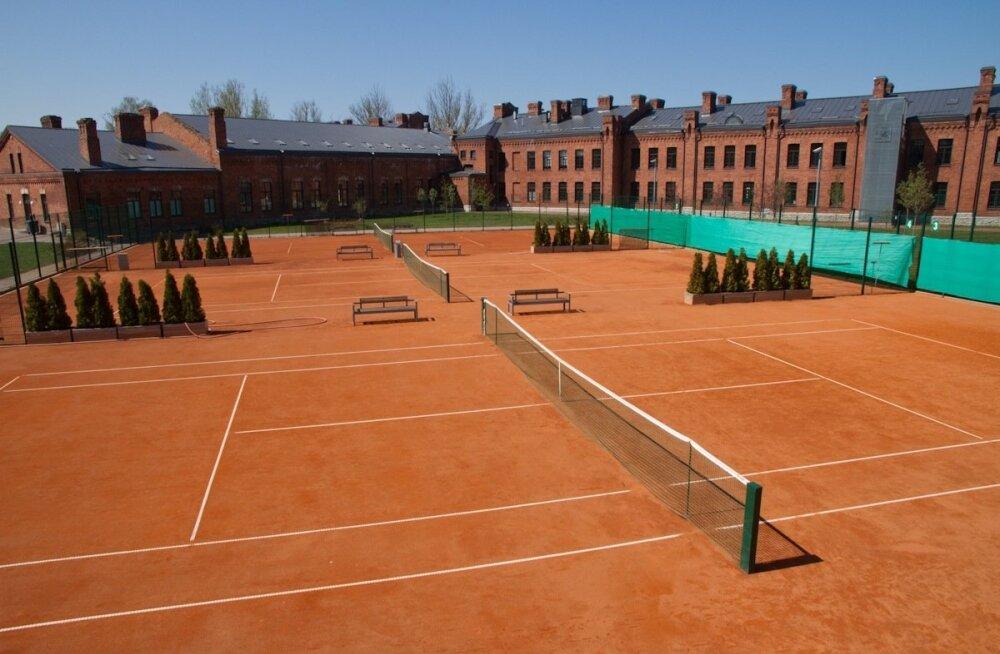 Tennisehooaja avamine 2011