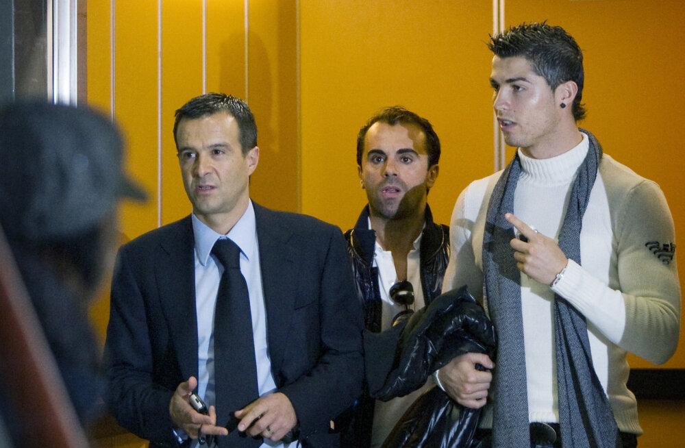 Niek van Dijk ja Cristiano Ronaldo 2009. aastal Amsterdamis
