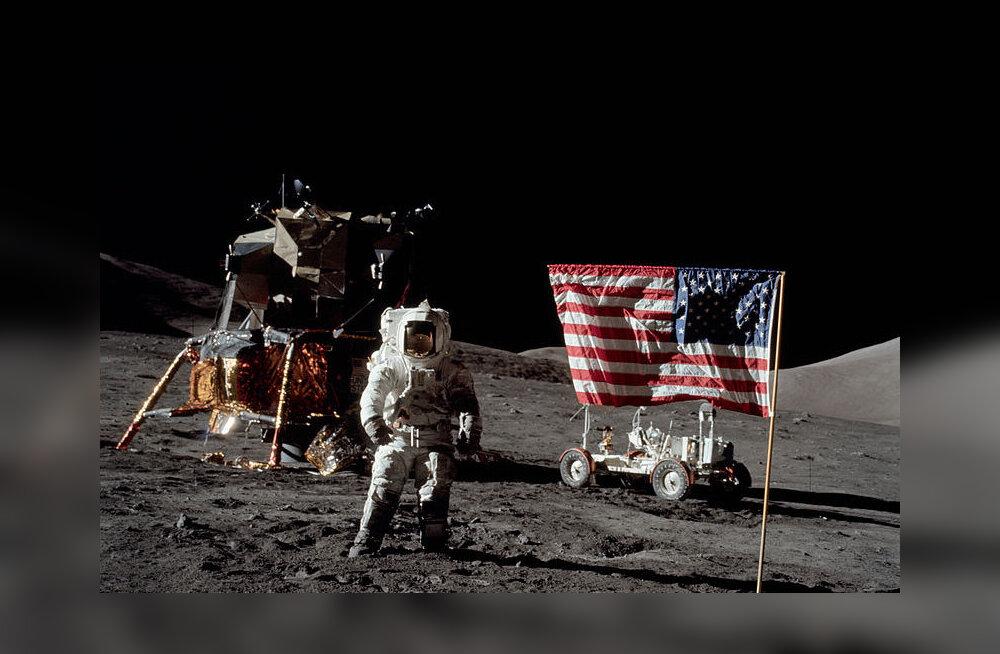 Astronautide poolt Kuule jäetud USA lippudelt on tähed ja triibud kadunud