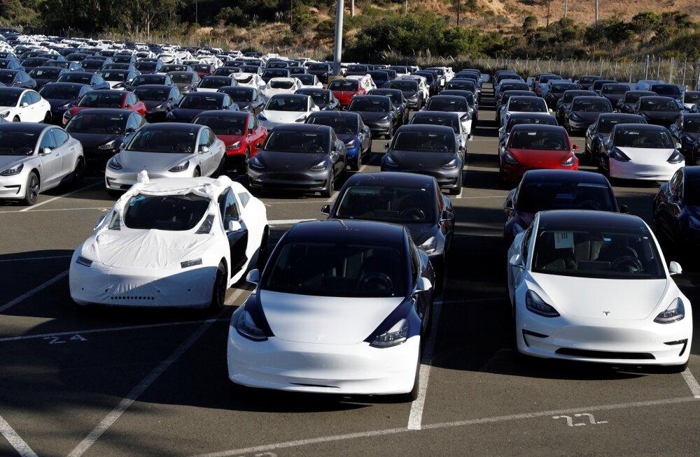 Tesla Model 3 elektriautod Richmondis.
