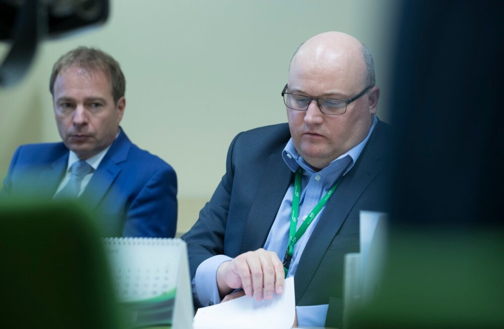 Vasakult: Eesti Energia juht Hando Sutter ja finantsdirektor Andri Avila
