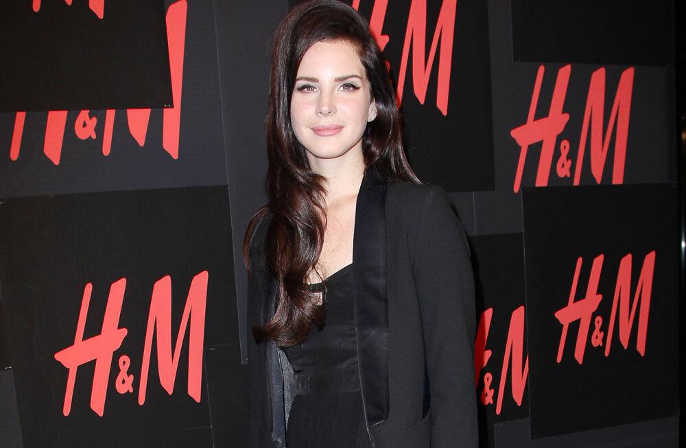 Lana Del Rey ajas protesteerivad fännid maruvihaseks: mis su probleem on