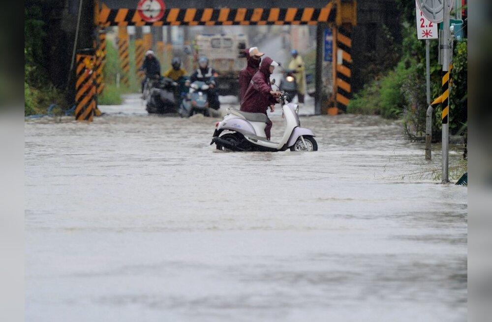 Taiwan evakueeris taifuuni teelt tuhandeid inimesi