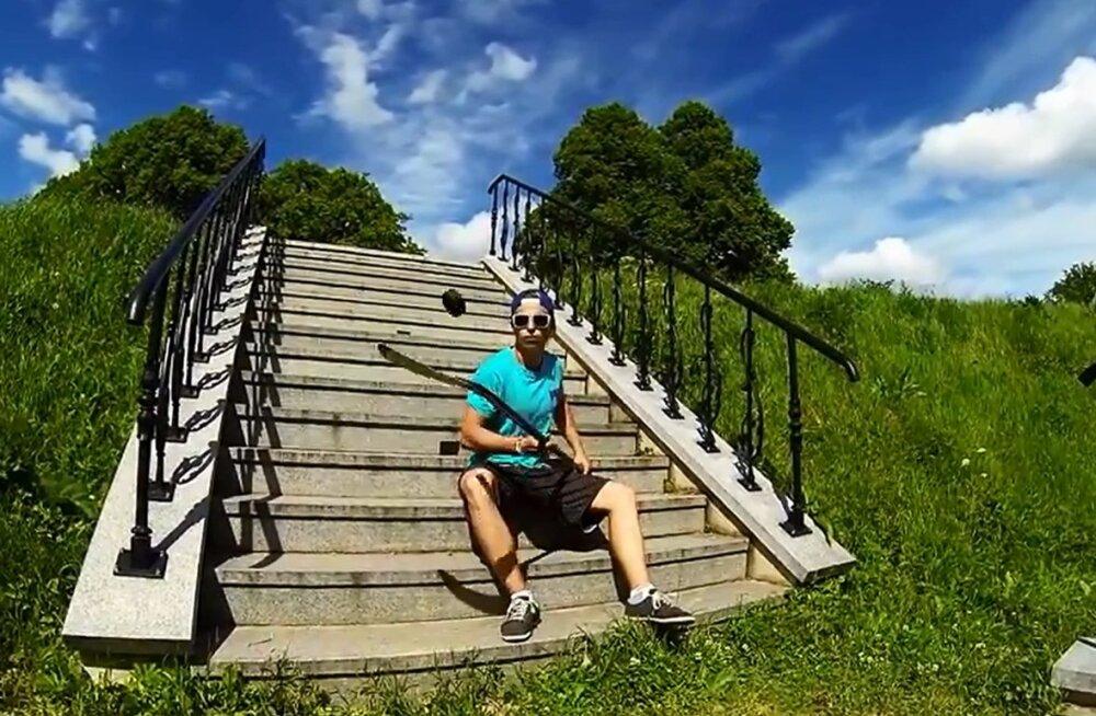 HITTVIDEO: Noor Eesti hokipoiss teeb litriga vingeid trikke