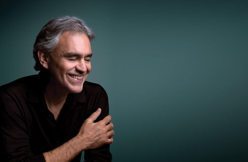 Maestro Andrea Bocelli annab teisipäeval Tallinna lauluväljakul kontserdi kahes vaatuses