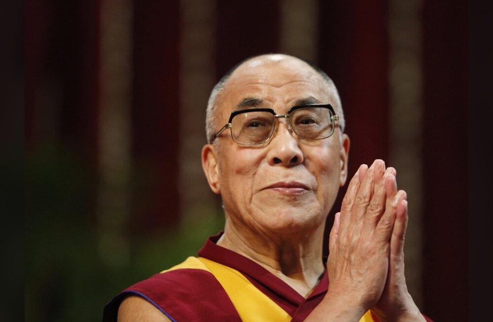 Dalai-laama kavatseb poliitilise võimu üle anda