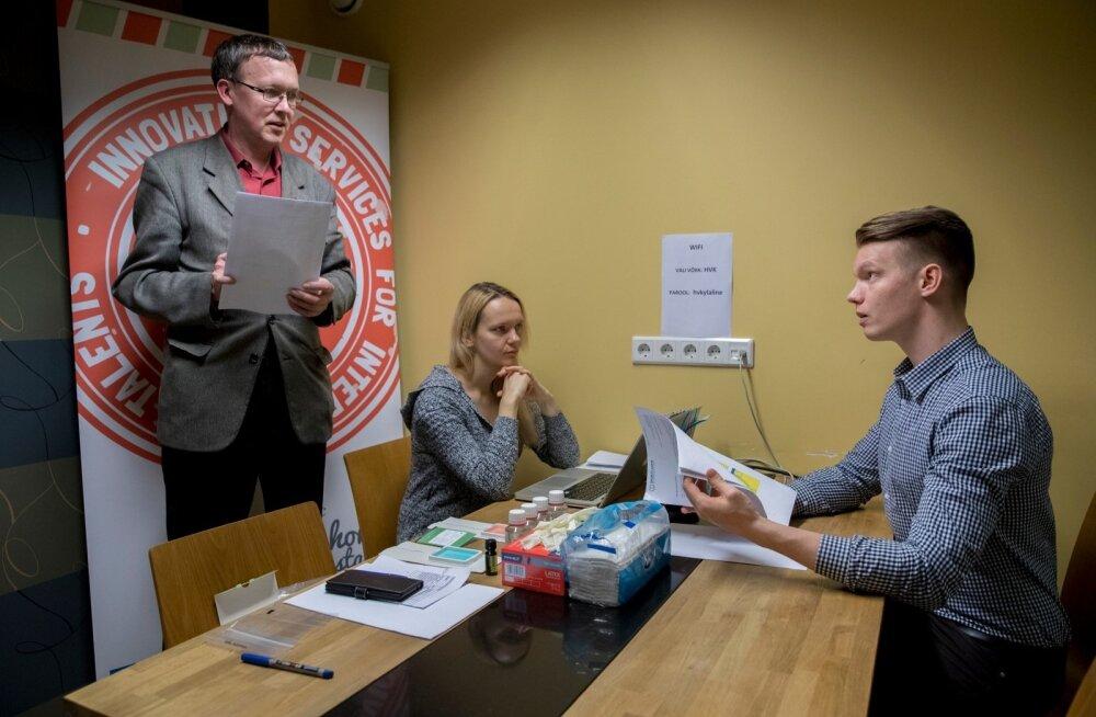 Sports Gene'i tegevjuht Alar Meltsov ja treeningunõustaja Kristel Koitla selgitavad, et ajakirjanikust tõenäoliselt kulturisti ei saaks, kuid tubliks maratonijooksjaks saada on tal geneetilisi eeldusi.