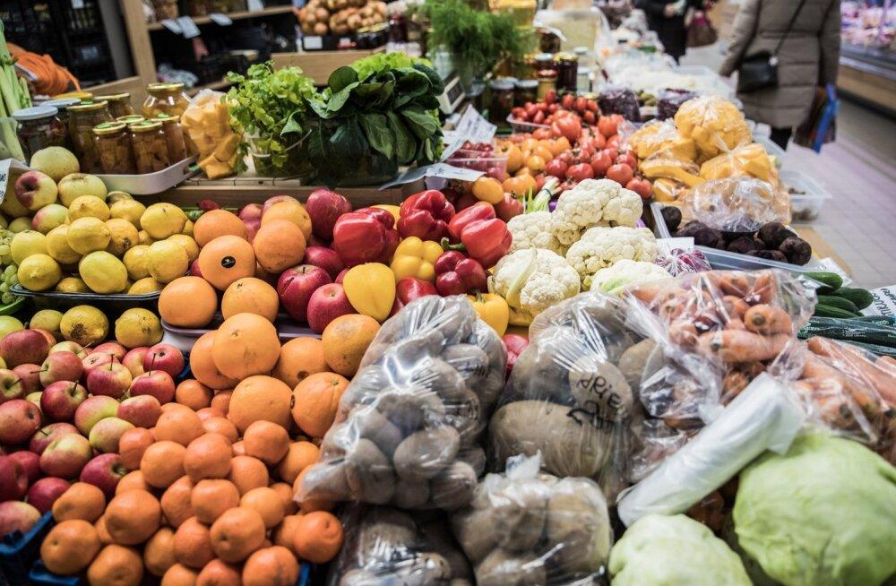 Tartu turg ootab juba jõuludest saati Eesti maasikaid ja muud suupärast.