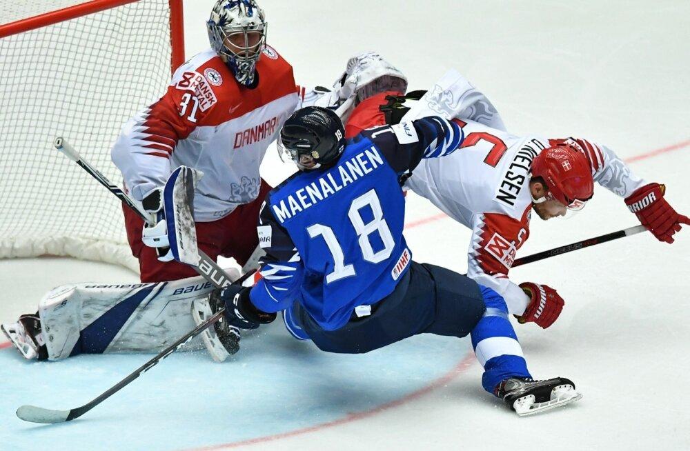 Taani hokikoondis (valges) alistas üllatuslikult Soome.