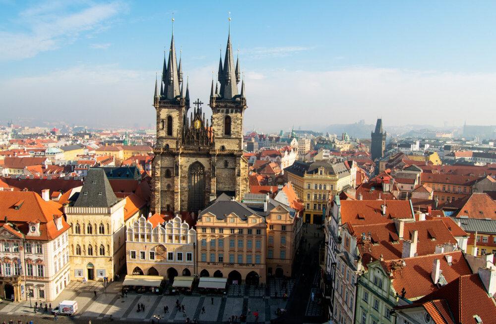 Что происходит? Российские авиакомпании массово отменяют рейсы в Чехию
