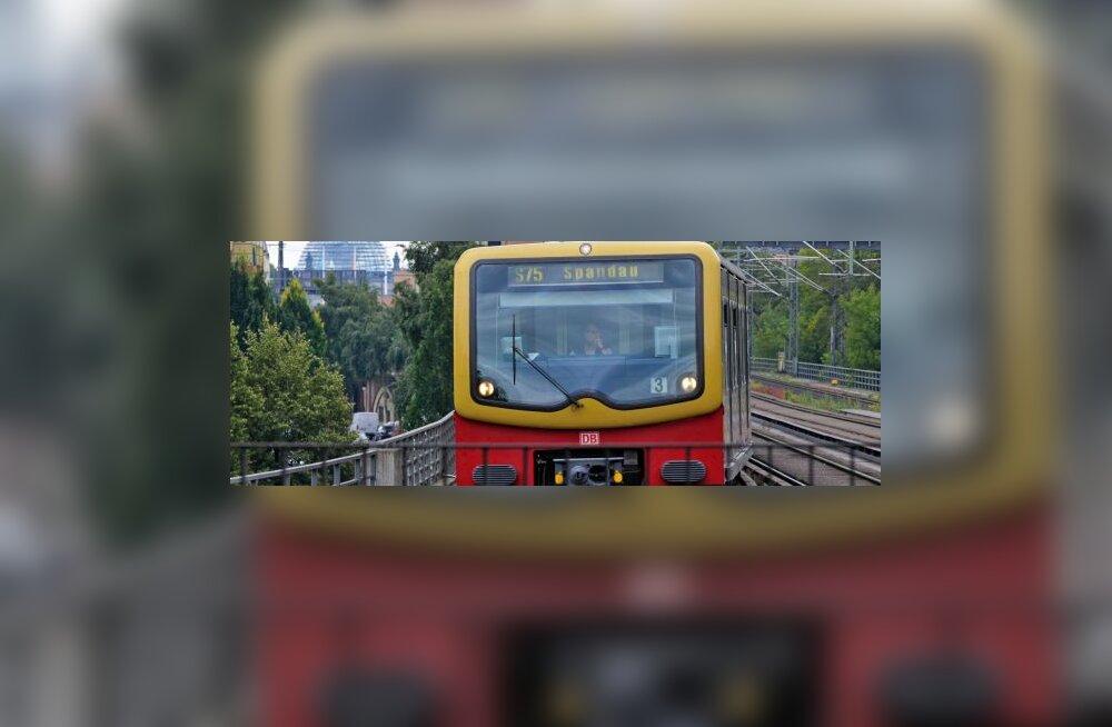 Berliinis ei sõida linnarongid, valitseb liikluskaos