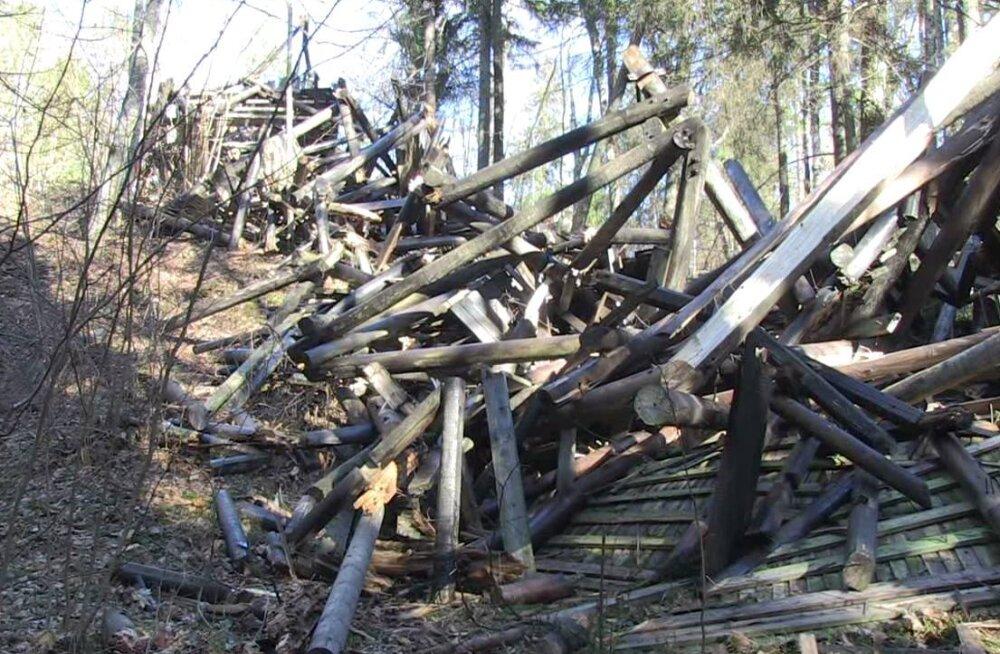 Tormituul kukutas Iisaku vaatetorni kummuli