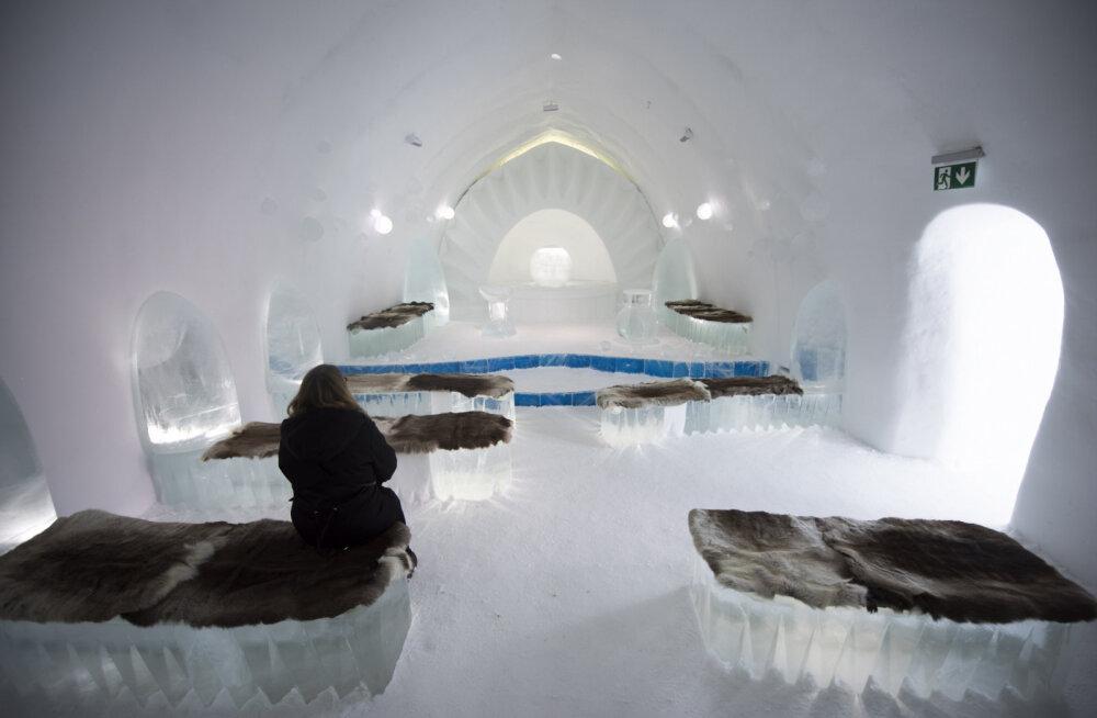 """ФОТО: Знаменитый шведский ледяной отель вновь открыл свои двери после сезонного """"капитального ремонта"""""""