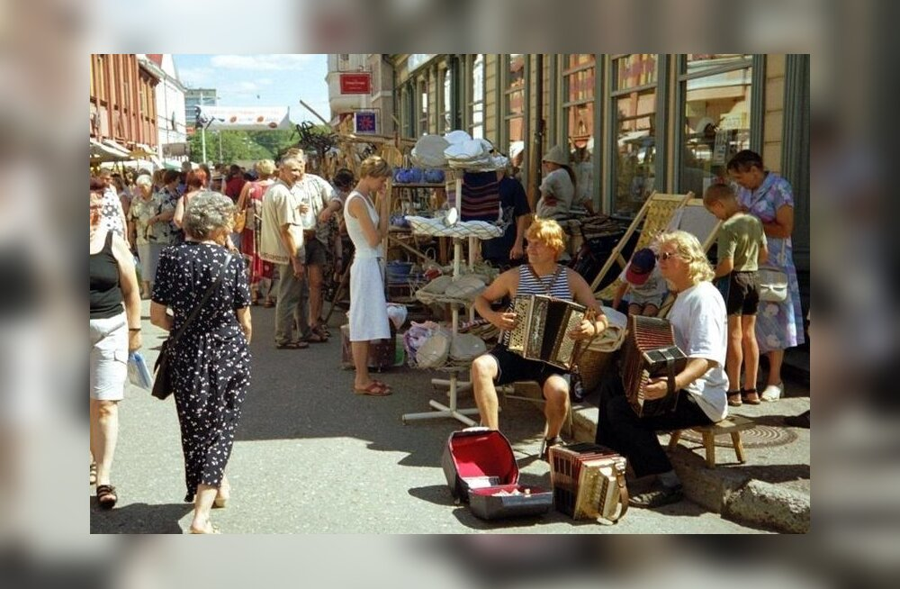 Visit Estonia soovitab nädalavahetuseks: sind ootavad Leigo Järvemuusika, Valge Daam, kodukohvikud ja kehamaalingud