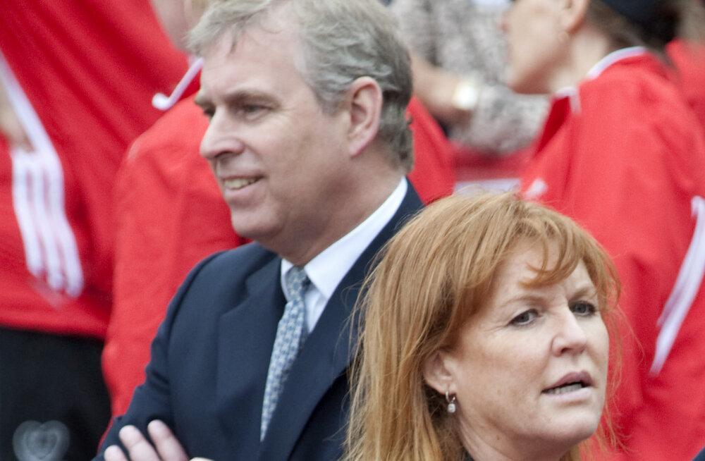 Eksabikaasad prints Andrew ja Sarah Ferguson soojendavad taas suhteid!