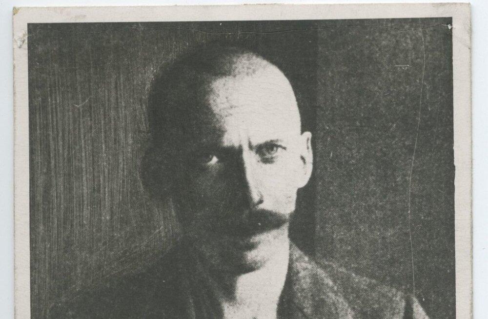 Pildistus V. Kingissepast peale kaitsepolitsei poolt vahi alla võtmist 03.05.1922.