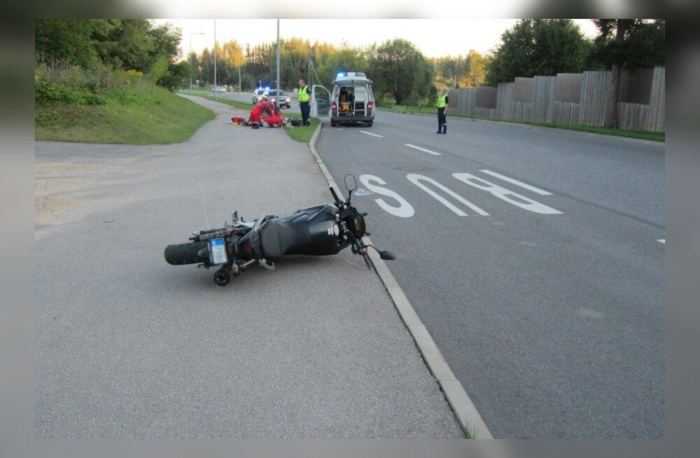 FOTO SÜNDMUSKOHALT: Viljandis juhtunud avariis hukkus mootorrattur