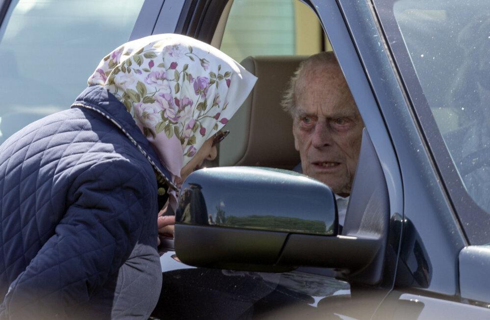 On alles põikpea! Äsja avariisse sattunud 97-aastane prints Philip on taas ilma turvavööta autoroolis