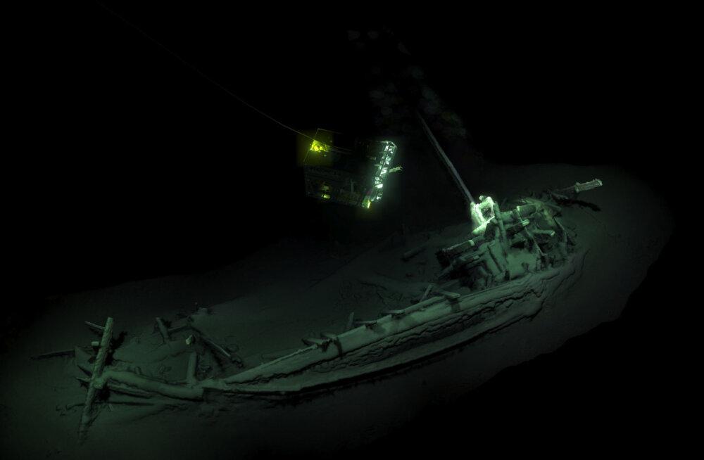 Igavik märjas hauas: Mustast merest leiti vanim pea puutumata laevavrakk üldse