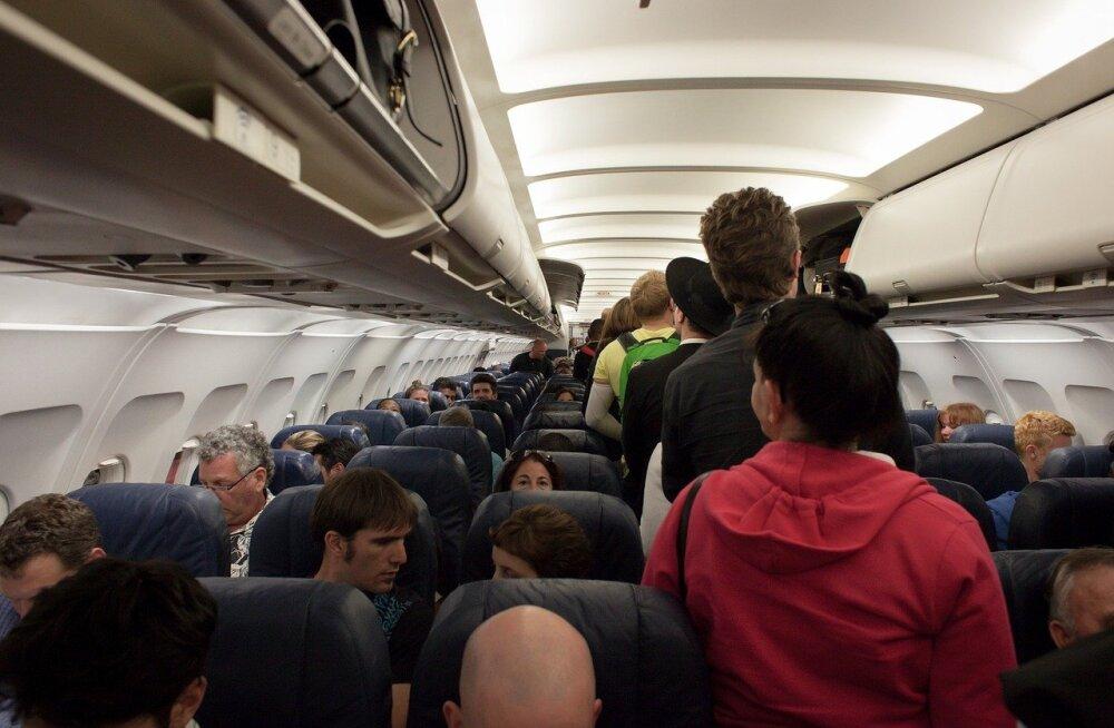 Instagrami-galerii: pildid kõige ebameeldivamatest lennureisijatest, keda enda kõrvale ei tahaks