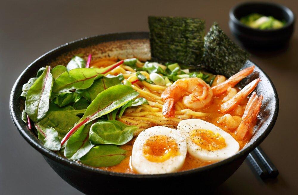 Tokumaru on klassikaline Jaapani köök, kuid sellesse on segatud ka teatav annus fusion'it, modernseid laene, mis muudavad söömise veelgi põnevamaks, kogemuse nauditavamaks.