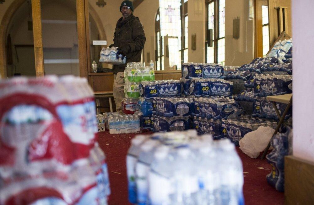Obama kuulutas seoses veereostusega Michiganis välja eriolukorra