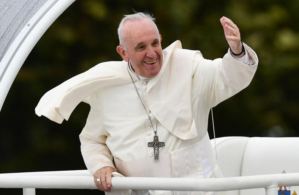 Paavsti visiit kiirendab Kaarli kiriku remonttöid